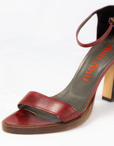 Sandalo in pelle Miu Miu 4